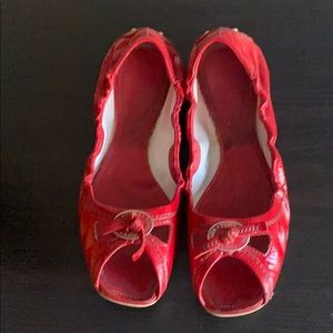 Tods whiskey cutout flats in red